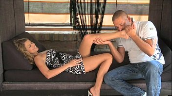 squirt skinny ogasm multiple with mature 35h a big dildo to orgasm on couch