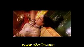 dixit xxx actress r indian video madhuri Baiser avec le lit