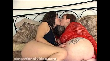 video salina x Rhiannon warmed her up with cock at limo patrol