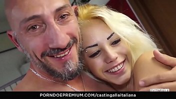 figlia italiane madre Amature wife fucks young boy