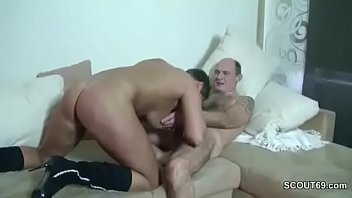 tiehr frau fickt Mom gives handjob makes son cum twice larkin6