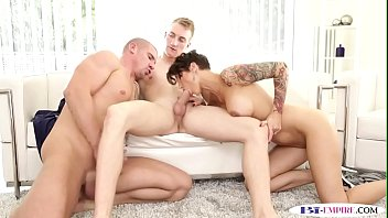bisexual hmh trio matrimonio Cum on nikki benz