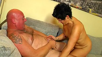 und masturbieren wichsen Honey charms with her cock engulfing session