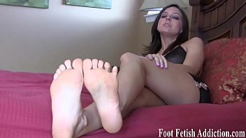 bbw sucking foot Amateure hairt thressome