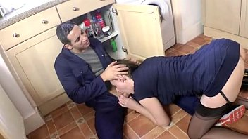 mature housewife kitchen in Ona zee foot toe