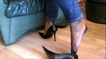 jobs cums foot Visitor fucks another wife