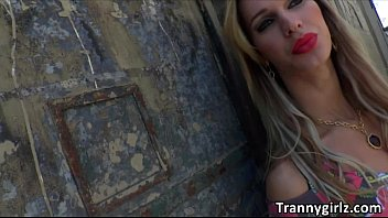 tape sex a blonde shemale makes German cuckold wife exposed