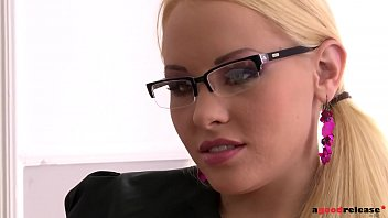 office masterbating cought in Secretly recorded milf